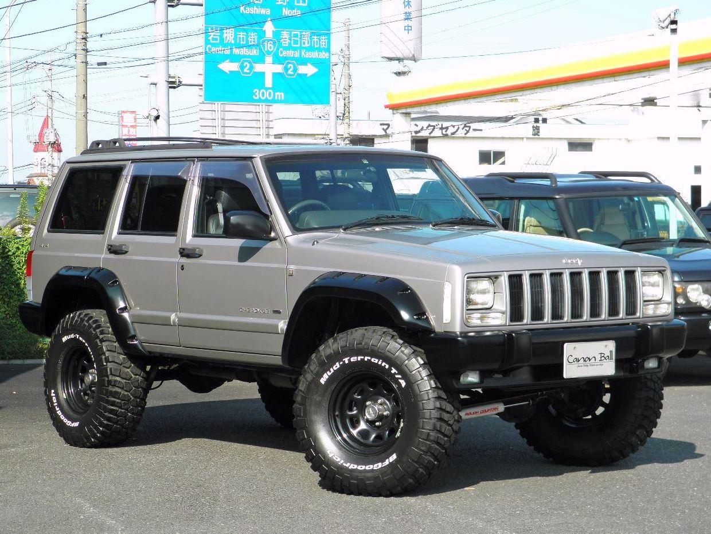LTD-リフトUPカスタムver 黒本革シート&ウッドインテリア XJ型Jeep最終 のイメージ画像です